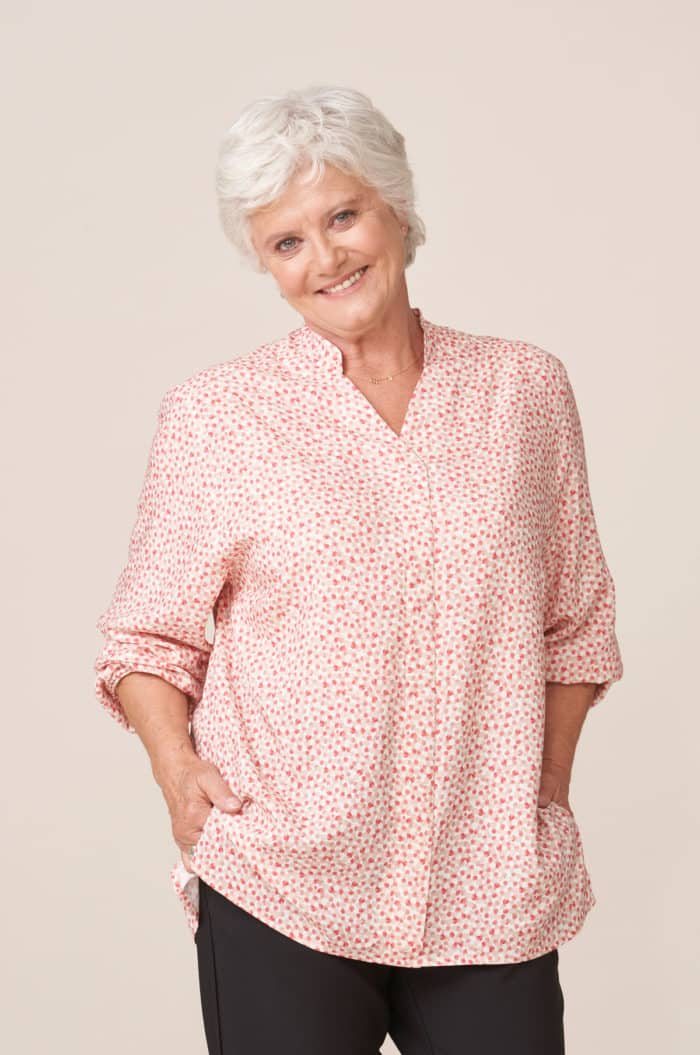 forestime vêtement senior adapté habillage facile blouse imprimé rose thais