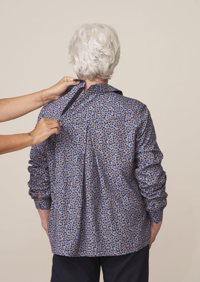 top pour senior dépendant fermé dans le dos