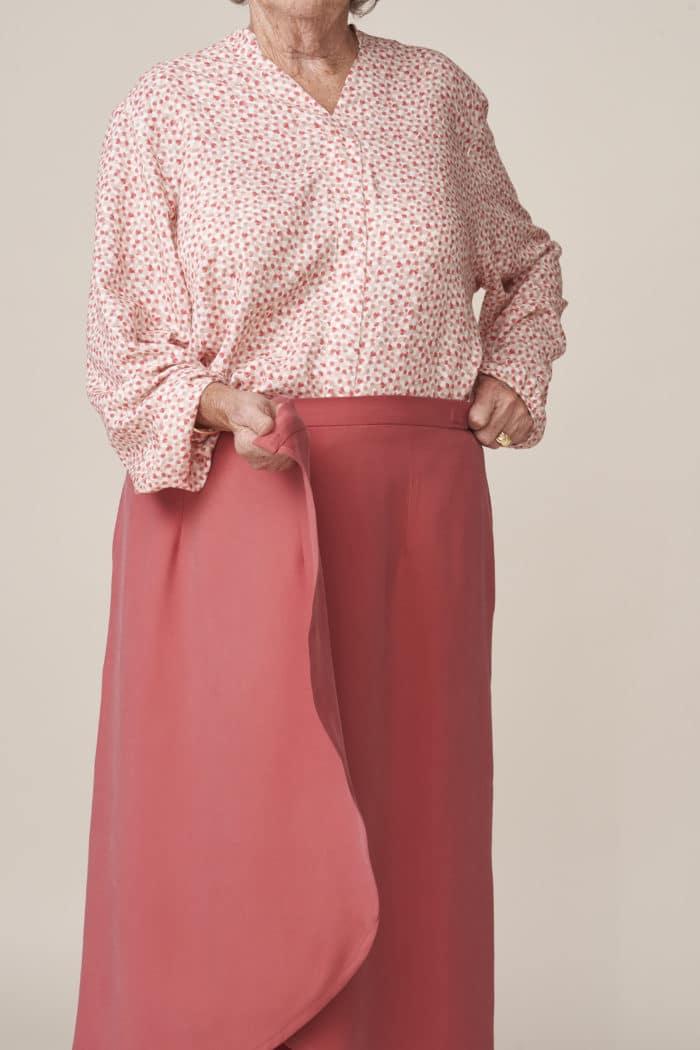 jupe portefeuille élégante et facile à mettre fermeture aimantée vetement adapté