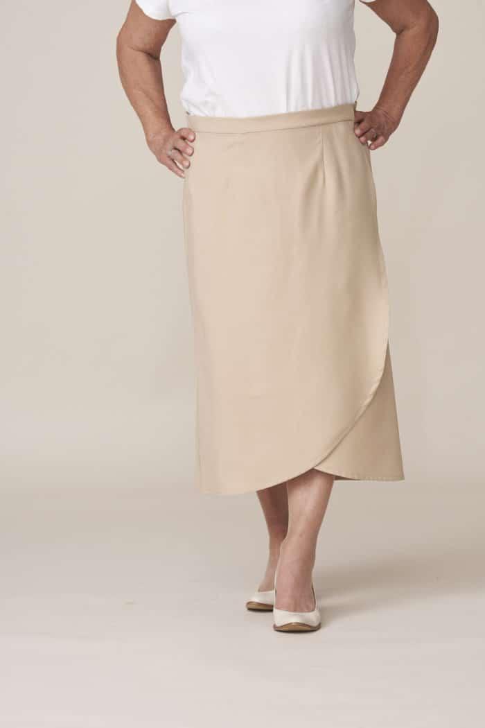 jupe portefeuille beige longue vêtement adapté pour personne dépendante