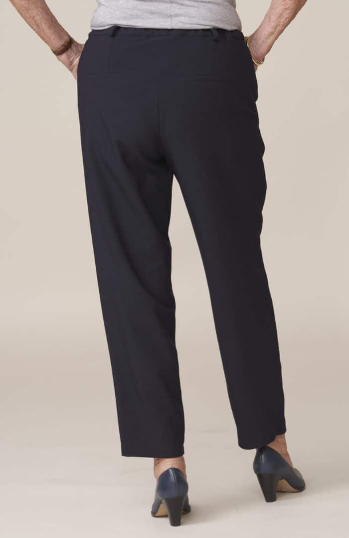 pantalon élégant pour senior facile à enfiler
