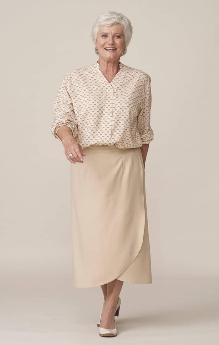 vêtements élégants et adaptés pour seniors fermeture facile par aimants