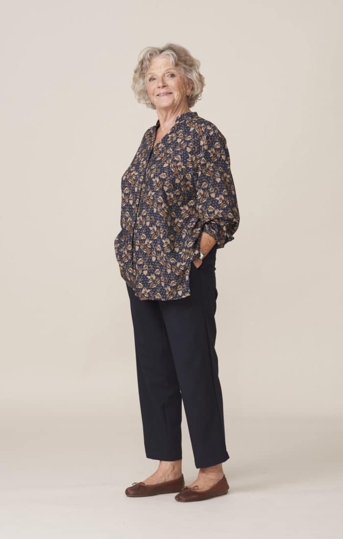 vêtements modernes et élégants faciles à fermer pour seniors