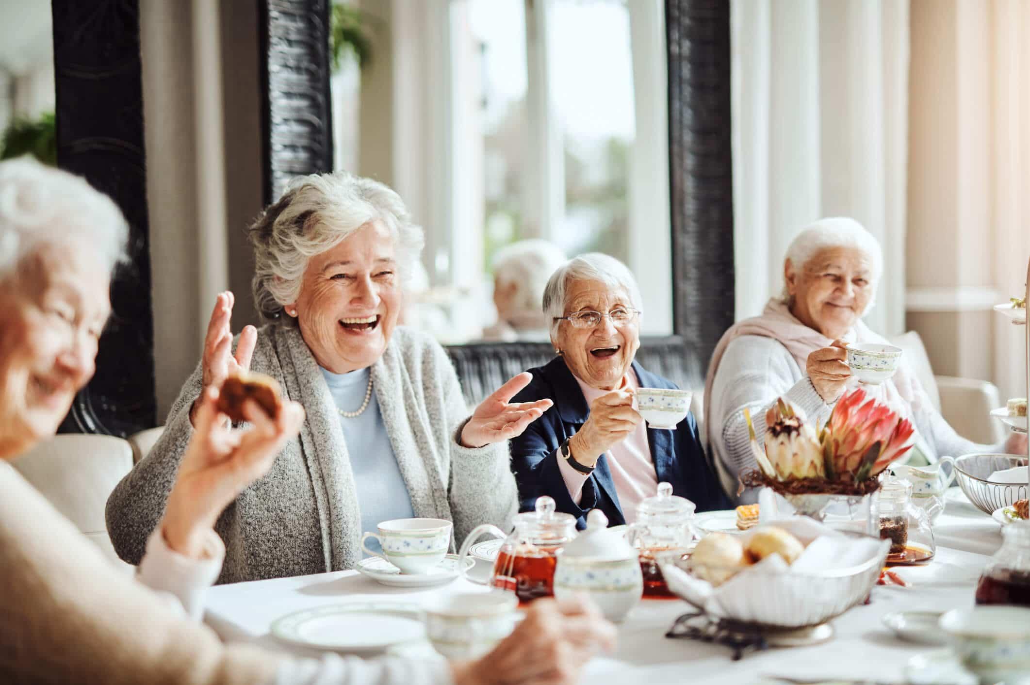 résidence senior personnes âgées habitats vêtements