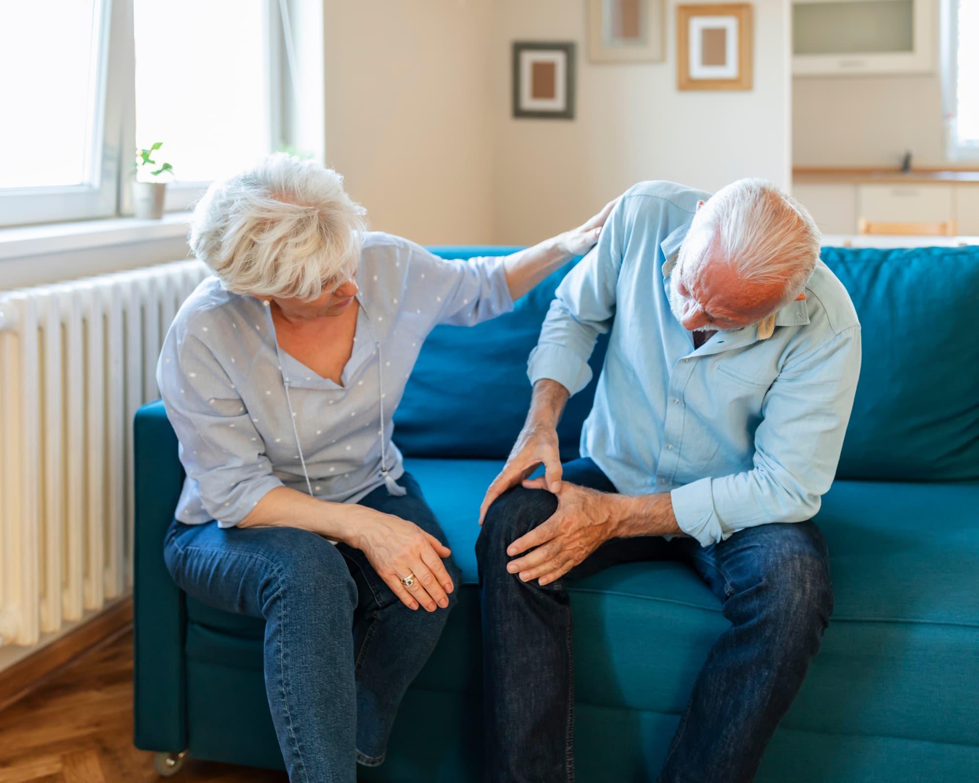 L'arthrose et l'arthrite chez les personnes âgées personne souffrant d'arthrose